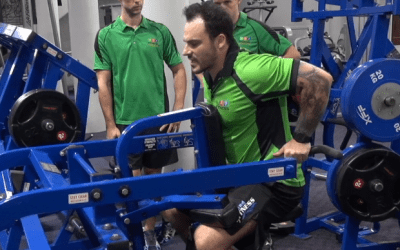 Tricep Dip Machine – plate loaded
